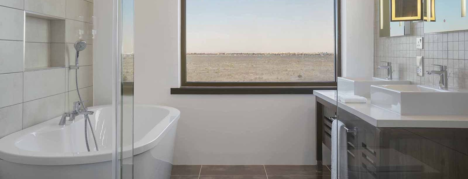 Four Points by Sheraton Nairobi Airport Executive Suite Bathroom